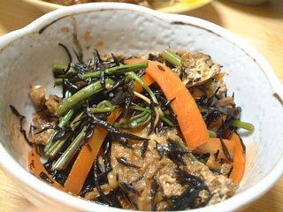 ひじきと山菜の煮物
